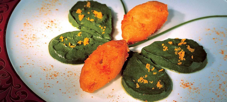 Frittelle di Provolone Valpadana con spinaci