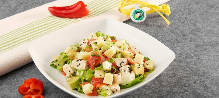 Strong Provolone Valpadana P.D.O. salad, chicken and red pepper