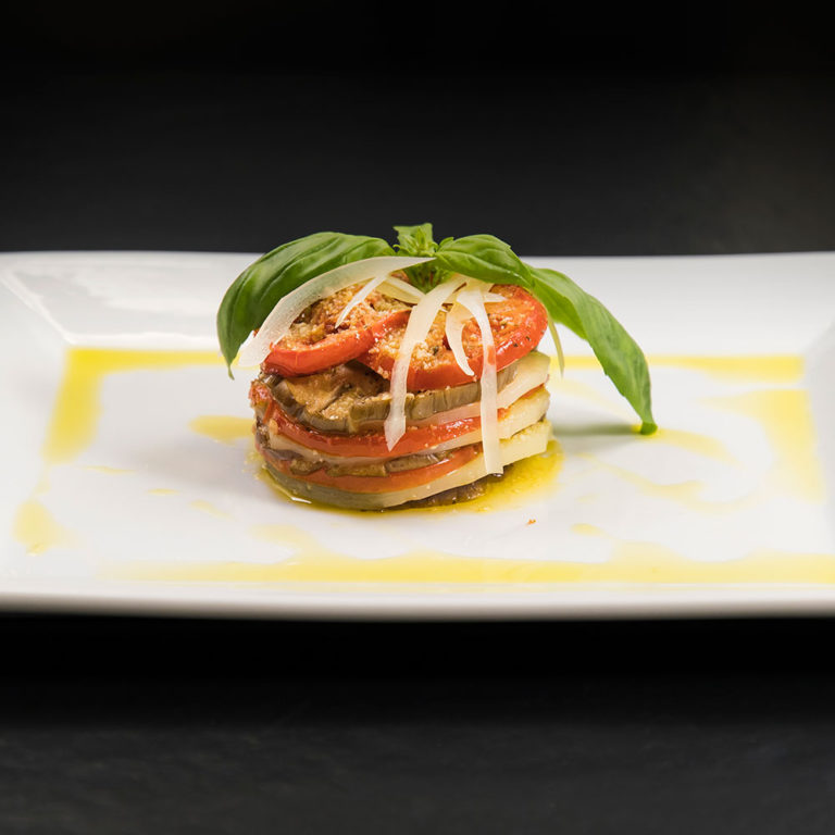 Millefoglie melanzane pomodoro basilico Provolone Valpadana DOP Dolce