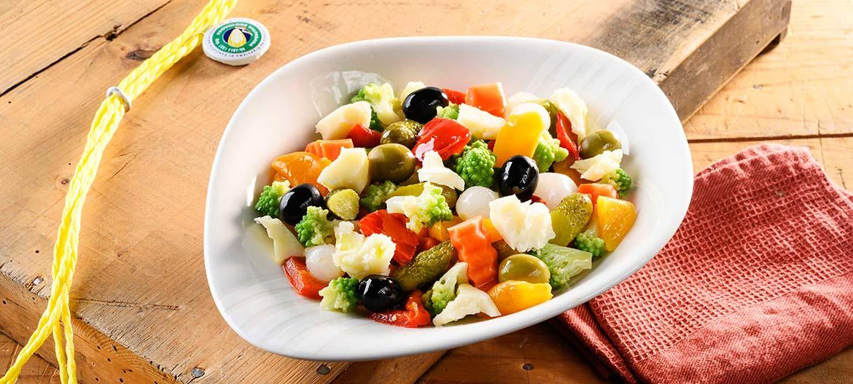 Salad with Roman broccoli and strong Provolone Valpadana P.D.O.
