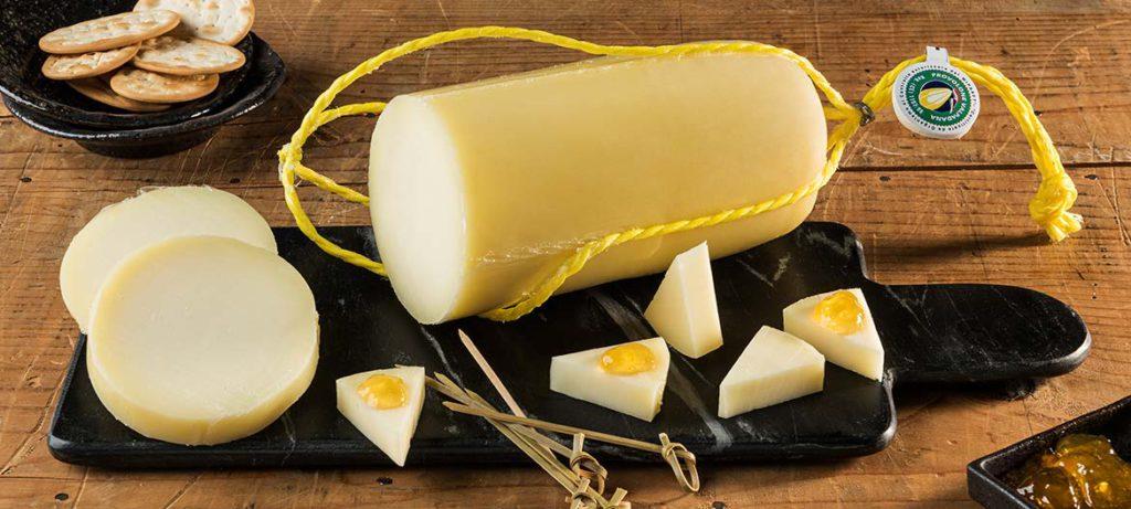 Come tagliare e conservare i formaggi Provolone Valpadana