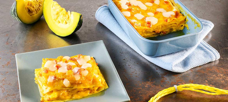 Lasaña con calabaza, panceta y Provolone Valpadana dulce