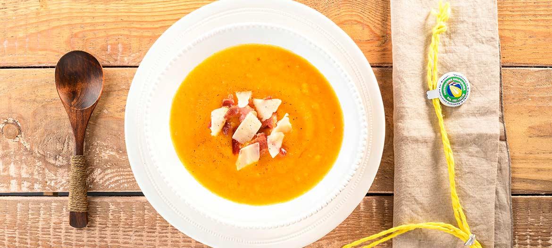 Pureed soup of potatoes, onions, bacon and strong Provolone Valpadana