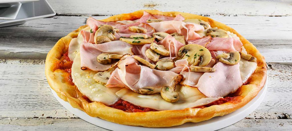 impasti pizza fatta in casa rossa integrale con Provolone Valpadana